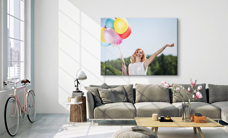 Foto auf Leinwand in 120x80 cm über Sofa