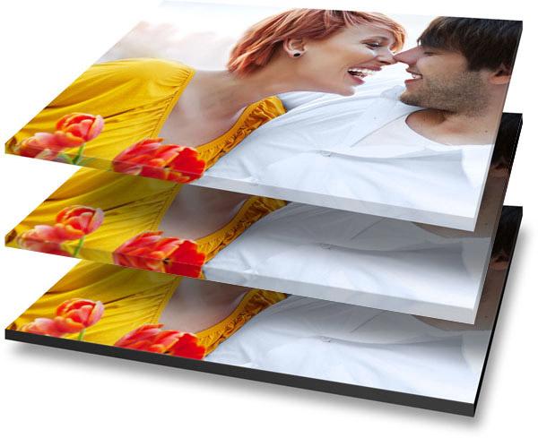 Fotoleinwand mit umdruckten, weißen und schwarzen Rand